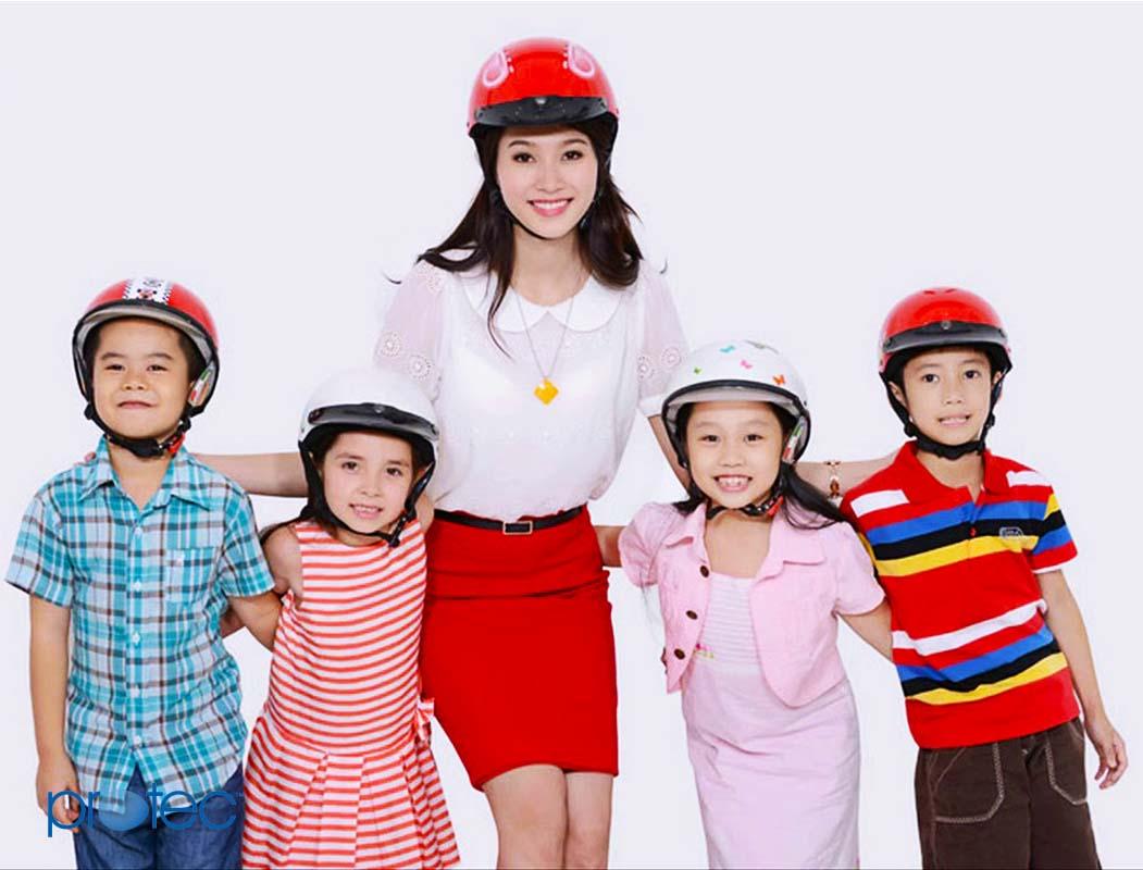 Mũ bảo hiểm trẻ em 3 tuổi