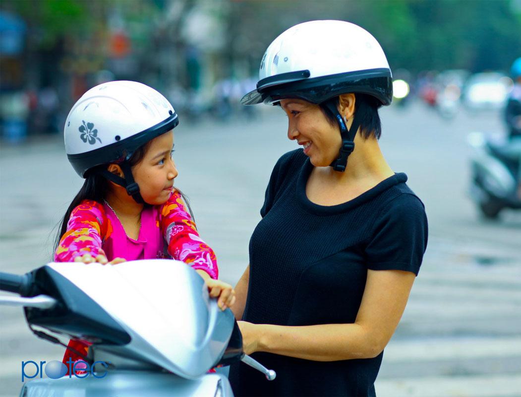 Mũ bảo hiểm cho bé 2 tuổi