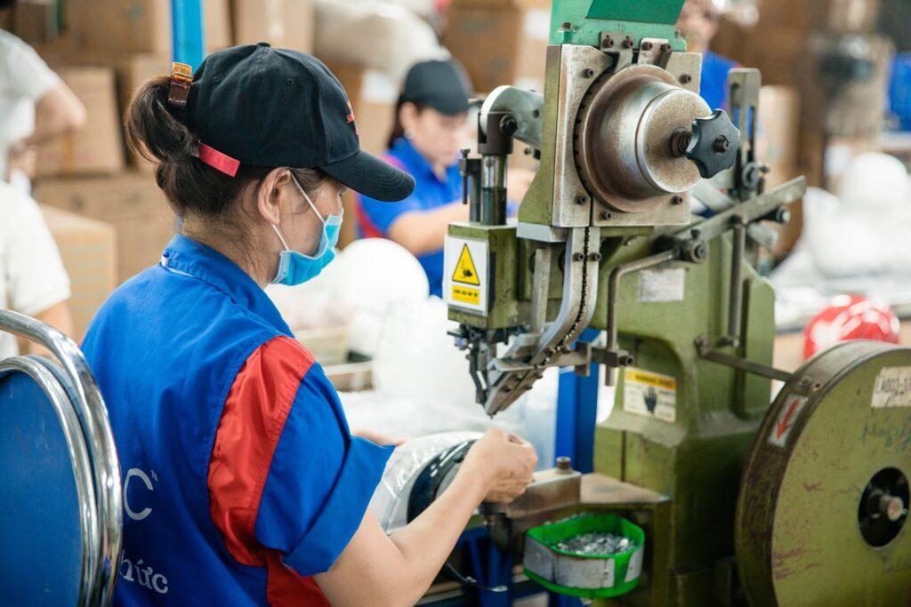 cơ sở sản xuất mũ bảo hiểm